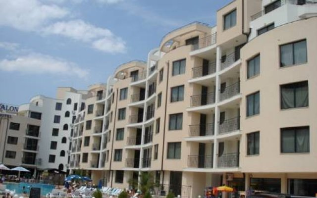 Hotel Avalon - Все включено вид на фасад