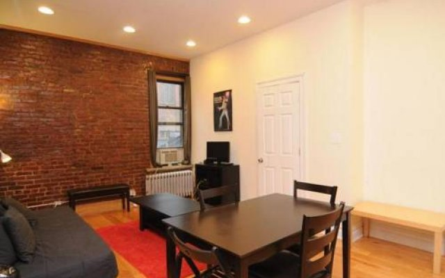Апартаменты Lower East Side Apartment комната для гостей