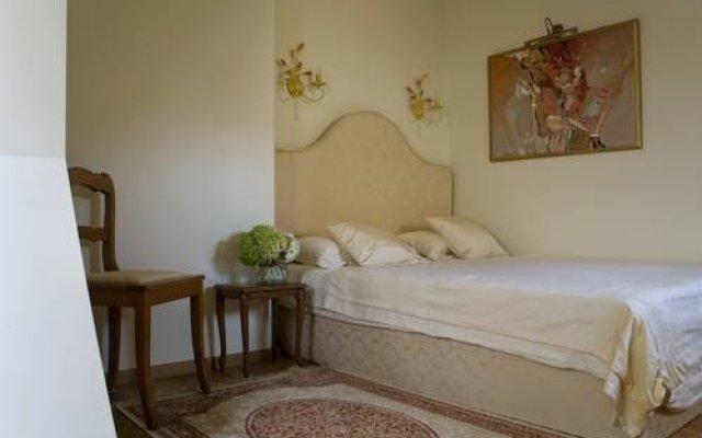 Отель Writers Apartment Литва, Вильнюс - 2 отзыва об отеле, цены и фото номеров - забронировать отель Writers Apartment онлайн комната для гостей
