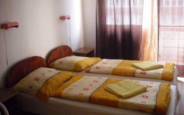 Апартаменты Peter's Apartments комната для гостей