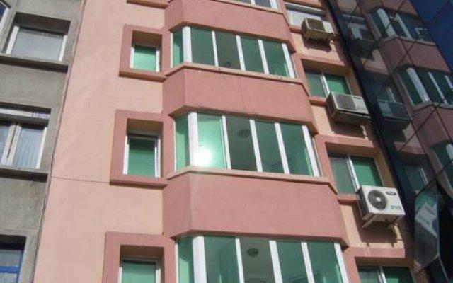 Отель Burgas Rooms and Studios вид на фасад