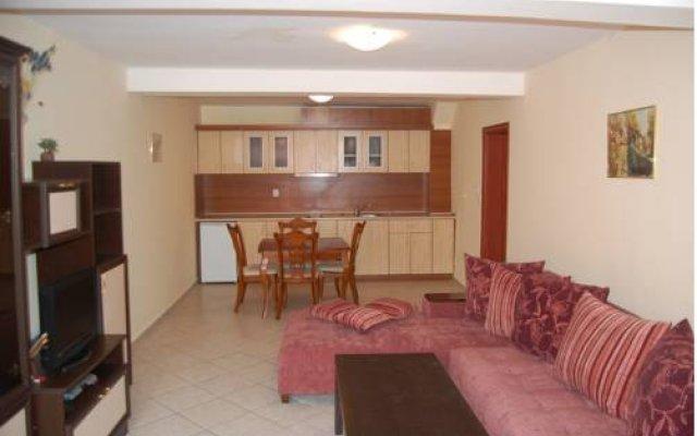 Отель Kedar Apartments Болгария, Свети Влас - отзывы, цены и фото номеров - забронировать отель Kedar Apartments онлайн комната для гостей