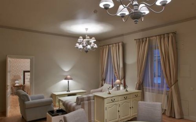 Апартаменты Gaono Residence Apartments комната для гостей