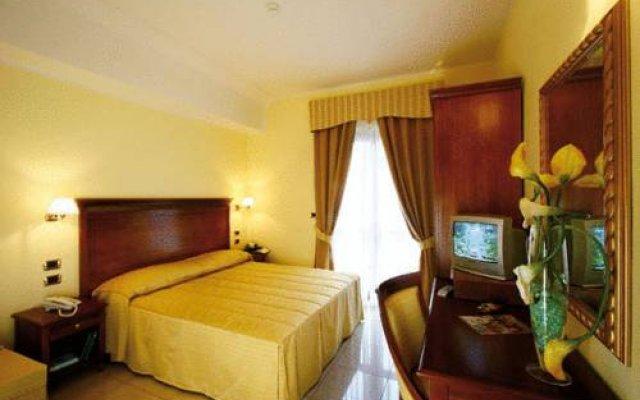 Hotel Villa Anna Милето комната для гостей