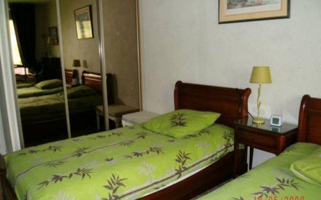 Отель Chambre d'hôtes - Garibaldi Франция, Лион - отзывы, цены и фото номеров - забронировать отель Chambre d'hôtes - Garibaldi онлайн комната для гостей