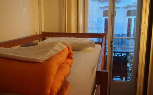 Отель LxCorner Hostel Португалия, Лиссабон - отзывы, цены и фото номеров - забронировать отель LxCorner Hostel онлайн комната для гостей
