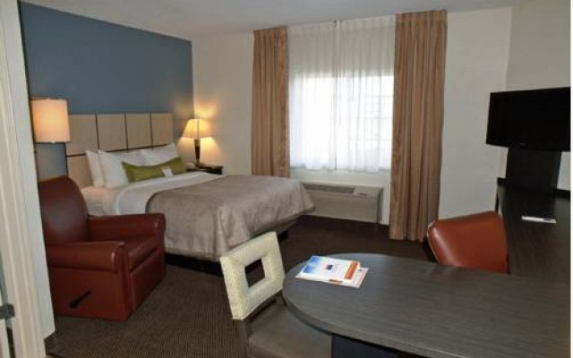 Candlewood Suites Chicago-O'Hare 1
