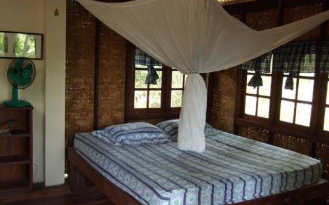 Отель Jungle House at Siboya Bungalows комната для гостей