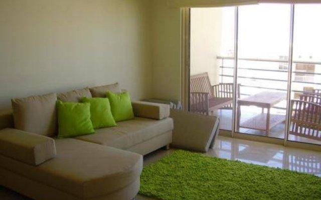 Отель Condominio Encosta Da Orada by Garvetur комната для гостей
