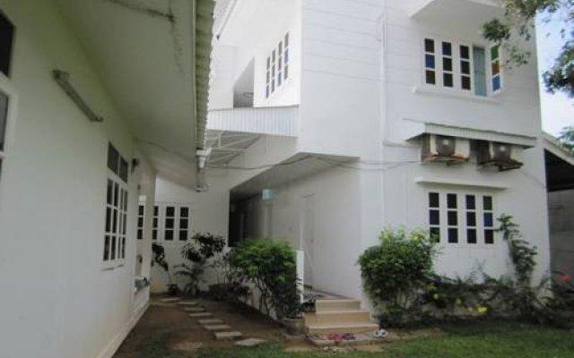Отель Na na chart Phuket вид на фасад