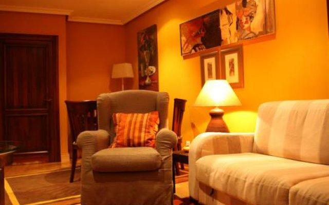 Отель Apartamentos Cueto Mazuga II комната для гостей