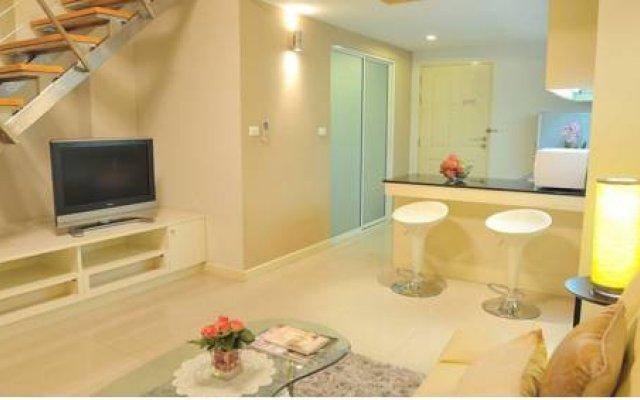 Апартаменты Duplex 21 Apartment Бангкок комната для гостей