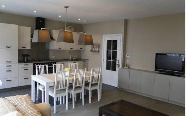 Апартаменты Zucchero Apartment Brugge комната для гостей