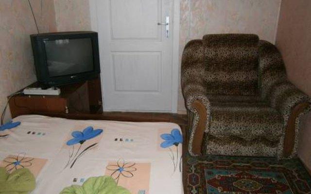 Abrikos Hostel комната для гостей