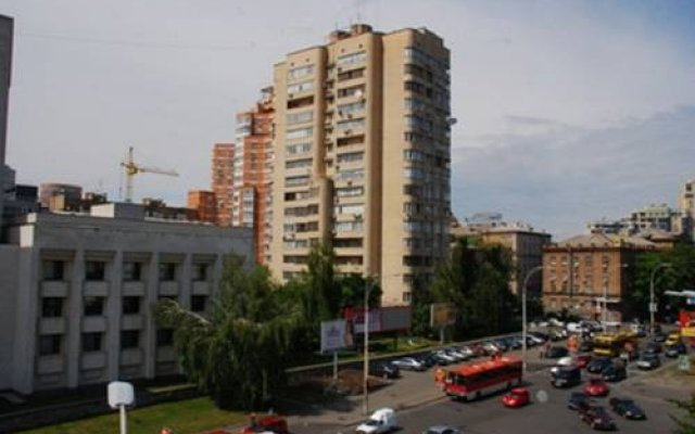 Апартаменты St Apartments On Druzhby Narodiv вид на фасад