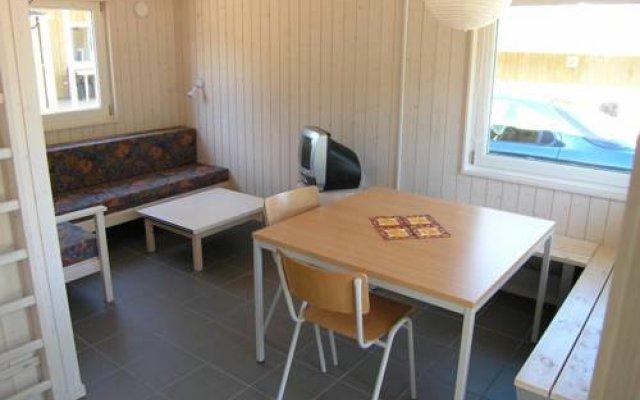 Отель Gl. Ålbo Camping & Cottages Сёндер-Стендеруп комната для гостей