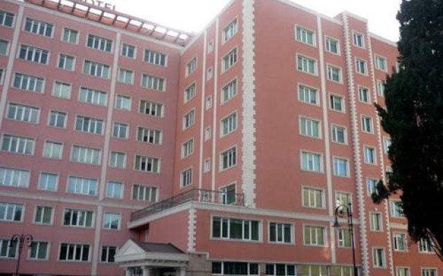 City Hotel вид на фасад