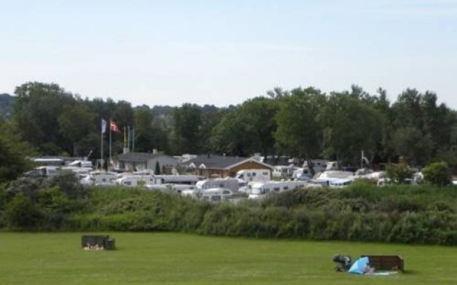 Отель Aalborg Strandparken Family Camping & Cottages