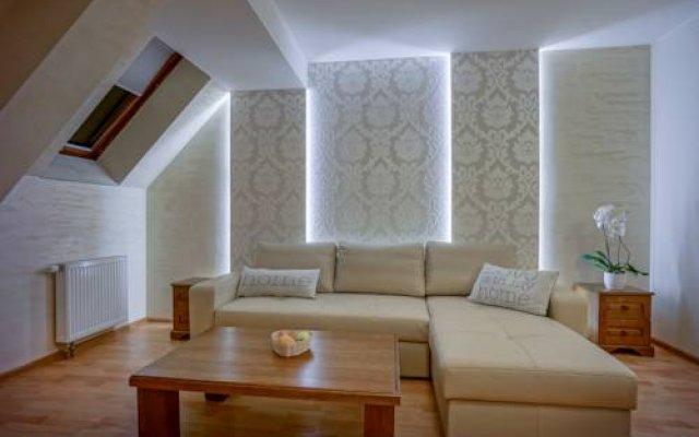 Отель Jawor Pokoje i Apartamenty комната для гостей
