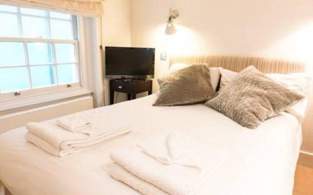 Апартаменты Hanover Apartments комната для гостей