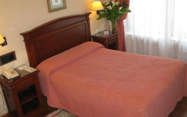 Отель Hostal Bahia Испания, Сан-Себастьян - отзывы, цены и фото номеров - забронировать отель Hostal Bahia онлайн комната для гостей