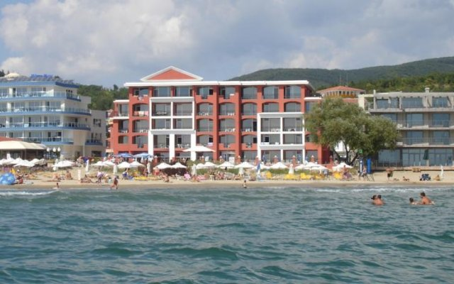 Отель Carina Beach Aparthotel - Free Private Beach