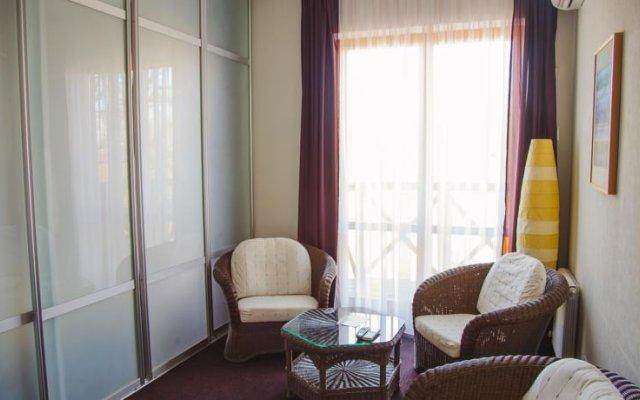 Гостиница Country Club Neftyanik комната для гостей