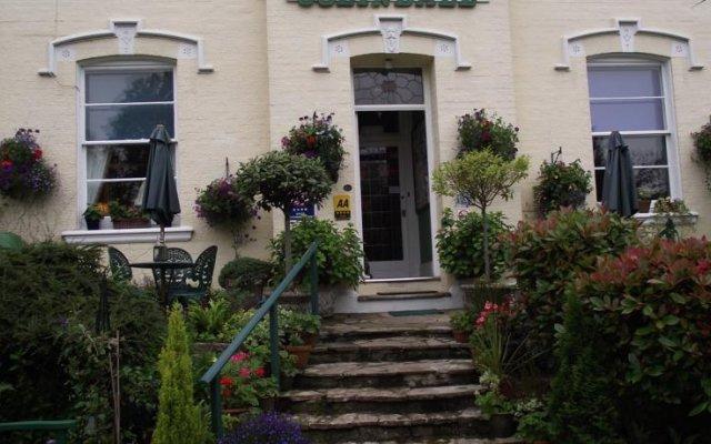 Отель Colindale Guest House вид на фасад