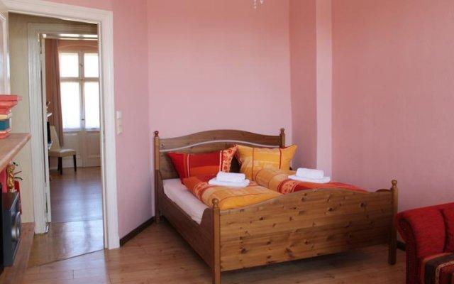 Bear Inn Hostel y Appartment комната для гостей