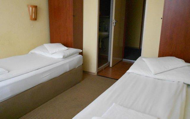 Hotel Seni Studium комната для гостей