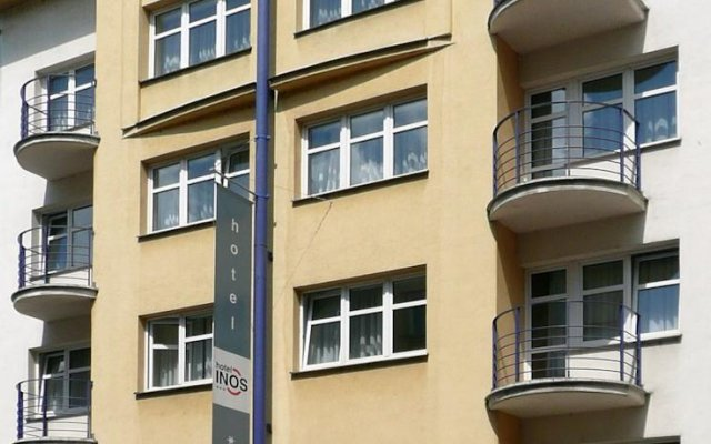 Inos Hotel вид на фасад