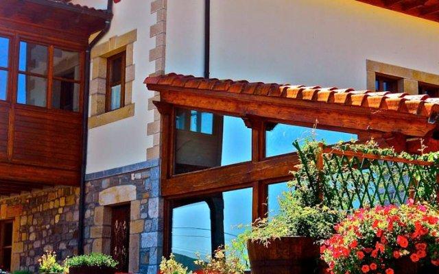 Hotel Rural El Rexacu вид на фасад