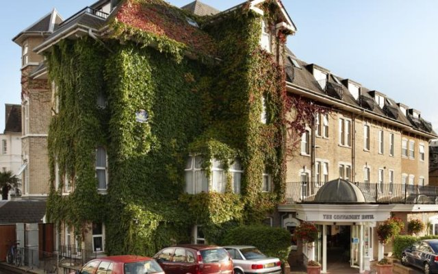 Best Western Plus The Connaught Hotel вид на фасад