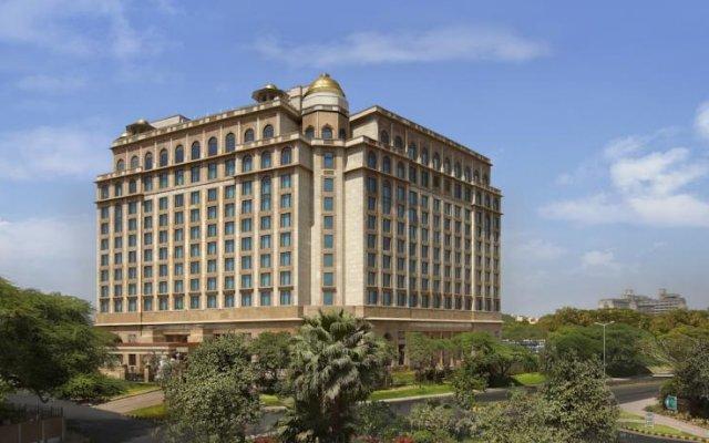 Отель The Leela Palace New Delhi Нью-Дели вид на фасад
