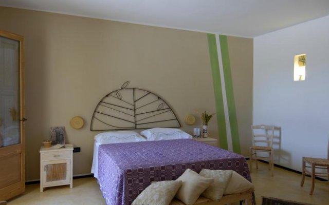 Отель Giardino degli Angeli Пресичче комната для гостей