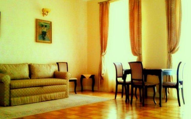 Апартаменты Studio Apartments комната для гостей