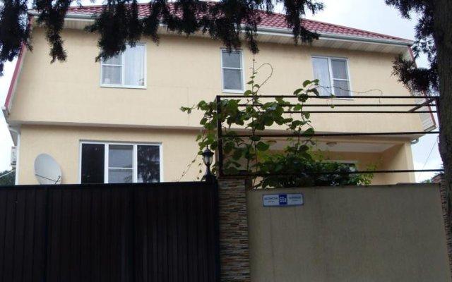 Гостиница Elvira Guest House в Сочи отзывы, цены и фото номеров - забронировать гостиницу Elvira Guest House онлайн вид на фасад