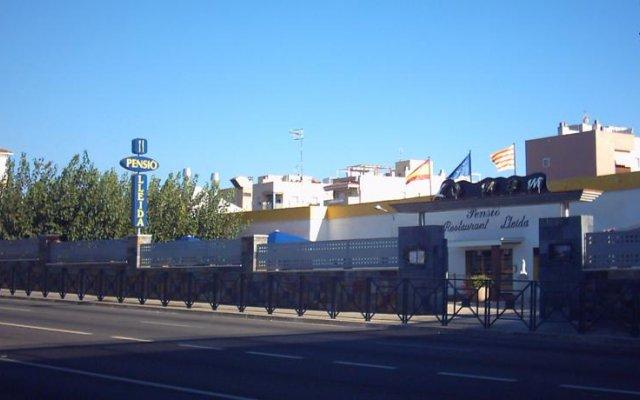 Отель Hostal Lleida вид на фасад
