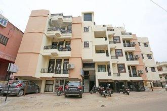 OYO 9596 Hotel Radha Nikunj Residency