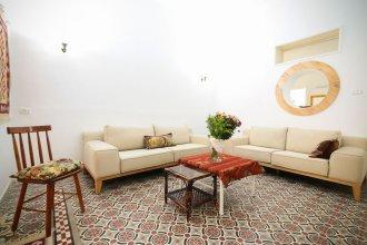 Authentic Neve Tsedek Style House