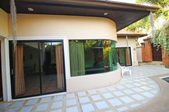 Cosy Beach Pool Villas by Pattaya Sunny Rentals