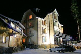 Отель NATIONAL Dombay