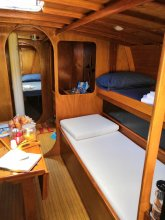Boat, Sleep & Tours EHoa