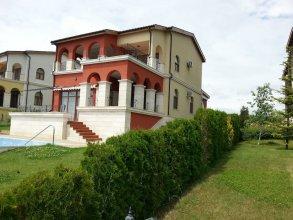 Lighthouse Luxe Estate Apart & Villas