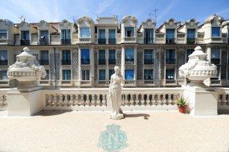 Royal Negresco - 5 Stars Holiday House