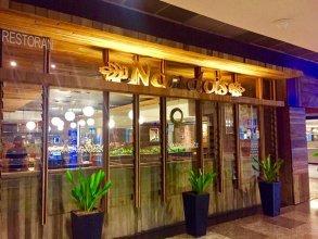 Golden Optimum Suite Times Square