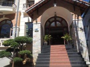 Hung Phong Hotel