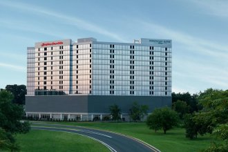 Homewood Suites by Hilton Teaneck Glenpointe
