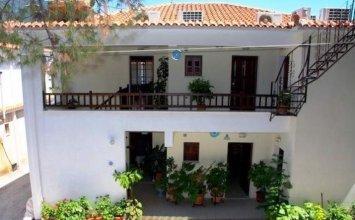Aris Junior Studio & Apartments