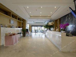 Manrou Hotel